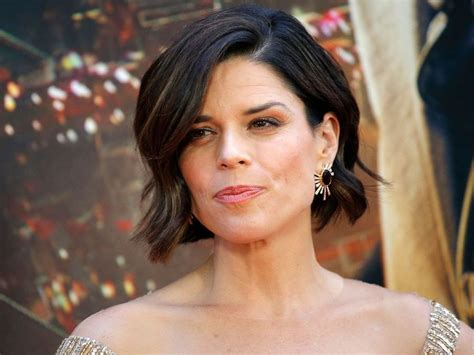Neve Campbell was 'in labour for nine days' with son | Canoe